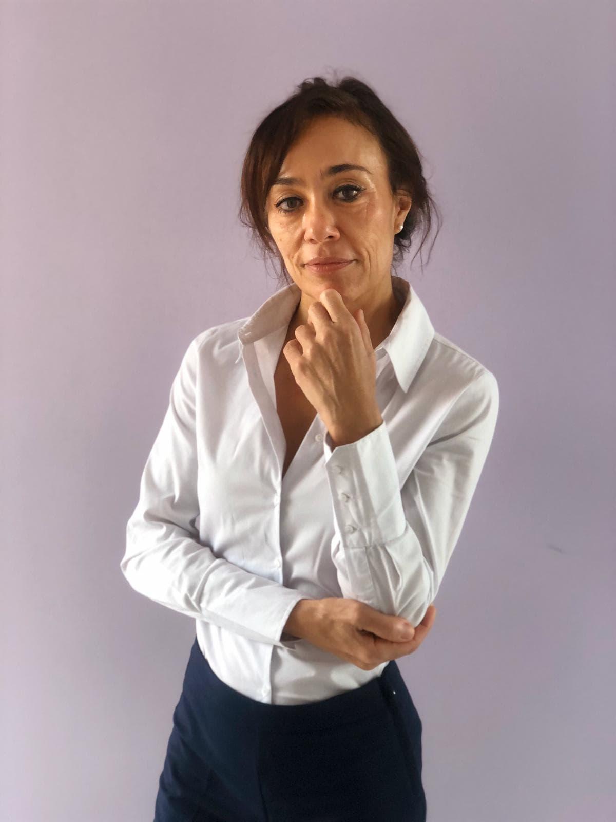 Ana Rodriguez en camisa pantalón Sermujer.life